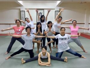 樂活輕瑜珈週二班