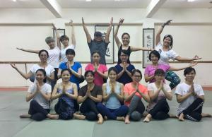 樂活輕瑜珈週四班